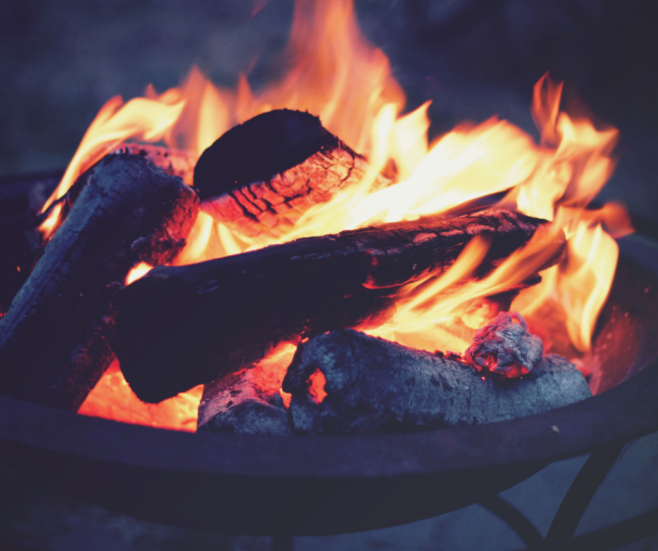 wood burning in an outdoor fire pit